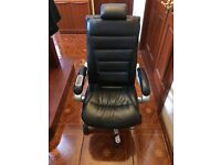OFFICE CHAIR *AS GOOD AS NEW*