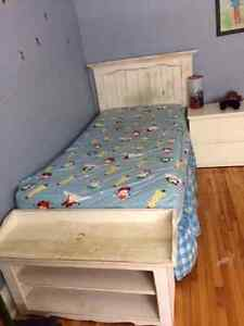 Twim bed frame wood with footboard and side tale