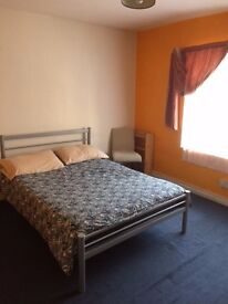 Double Rooms In Marble Arch next to the Station, A minute walk from Oxford Street .