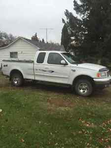 2002 Ford F-150 Pickup Truck ONLY 100000 KMS
