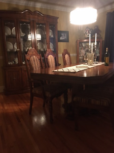 Halifax 10 Piece Dining Room