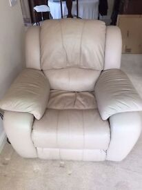 Superb *LEATHER RECLINER* Buttersoft Electric Armchair Cream EXC Working Order