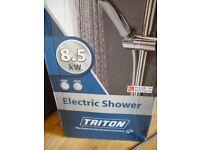 Shower head, hose, riser kit. Triton Lewis. New unused