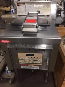 PRESSURE FRYER, ELECTRIC WINSTON MODEL PFW PC42 01CA *90 DAY WARRANTY