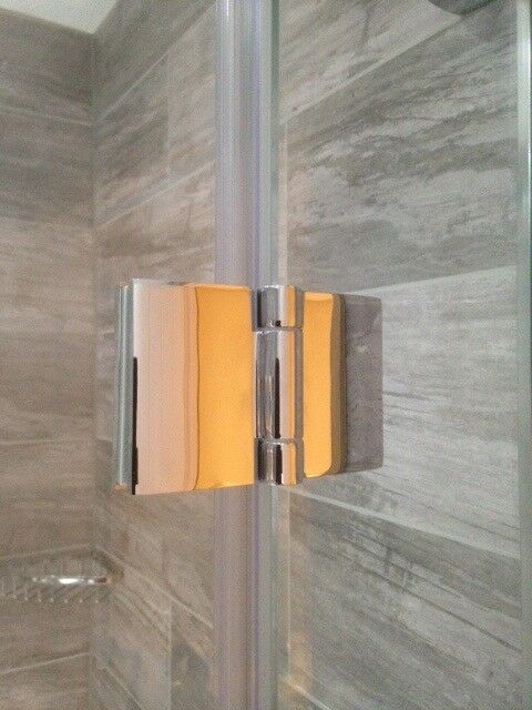 Simpsons 'Design' 800mm hinged shower door with 800mm side panel