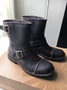 Mens UGG Leather Winter Boots Size 9