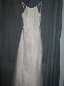 NEW WEDDING GOWNS $50 SIZES 6-18 / MUST CLEAR OUT