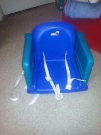 Blue booster / feeding seat