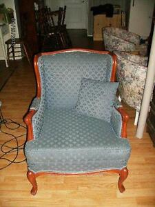 antique 7 foot  couch and chair Kingston Kingston Area image 2