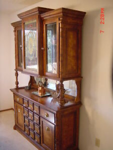 Antique Pulaski China Cabinet..Display Cabinet..High Quality