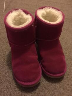Peter Alexander Ugg Boots size 4/5