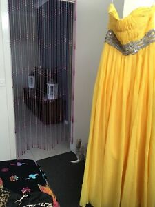 Very beautiful evening dress size 8to 10 worn once Thomastown Whittlesea Area Preview