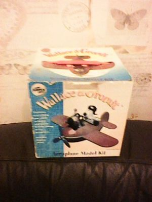 WALLACE & GROMIT AEROPLANE MODEL KIT PART USED BOXED WITH PAINTS AIRFIX