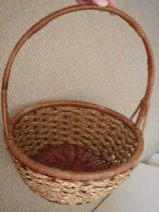 Wicker hamper baskets in townsville region qld home decor large wicker baskets with carry handle picnic baskets negle Gallery