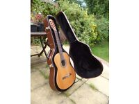 Classical Guitar, left hand, with hard carry case, Hofner HZ 27