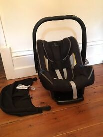 Mercedez-Benz BABY-SAFE plus III child seat with automatic child seat recognition