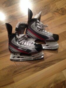 Bauer Vapour Hockey Skates