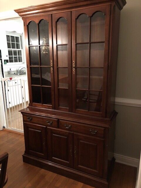 Pennsylvania House Cherry Lighted China Cabinet - Excellent - Delivery Available