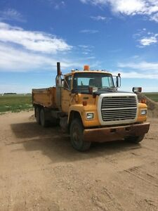 1988 Ford LT 9000 Tandem Truck with Blade