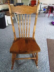 Rocking chairs, formal guest chairs, occasional table