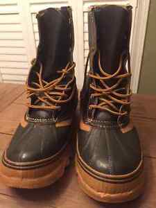 Canada Snowmaster Steel Toe Winter Boots - Size 10