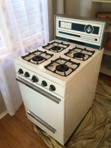 Vintage Findlay Natural Gas Range