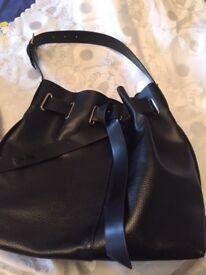 Follie Follit hand/shoulder bucket bag