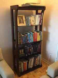 Beautiful Wood / Glass 5 shelf bookcase - $75 (Outremont)