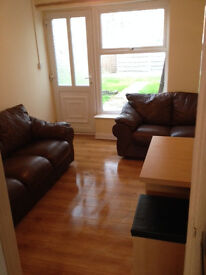 4 BED HOUSE £1350 Including Internet and Council Tax