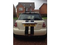 Mini Cooper for sale. Immaculate condition. Just serviced and MOT'd. Stunning and reliable wee car.