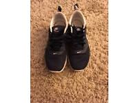 Boys Nike Air Trainers (Size 4.5uk)