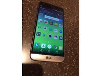 LG G5 - Titan, Unlocked, 4GB/32GB - LG-H850. With Charger
