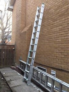 Extension Ladder 24 ft like new! Best price!