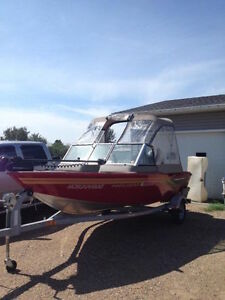 2009 Princecraft DLX 16 Ft Fishing Boat