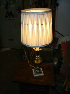 Vintage table lamp ...just reduced to $10.00