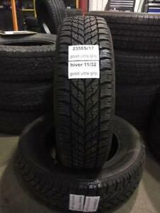 2 PNEUS HIVER / WINTER  GOODYEAR ULTRA GRIP 235/65R17 23565R17  120.00$ CHAQUE