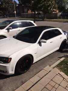 Supercharged 2013 Chrysler 300-S Hemi V8. Mopar. Like New