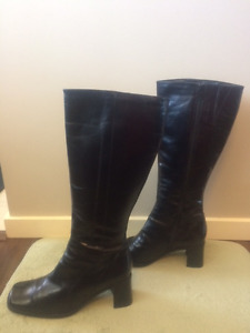 FeetFirst black leather boots (worn twice) - size 8 - black