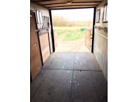 horse lorry able to carry 4 horses, horse box in very good condition, Ford lorry works but no MOT