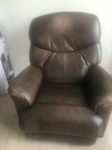 Lazyboy brown leather reclining single-seat sofa couch.