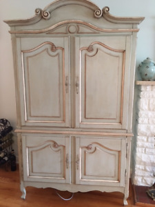 Armoire with TV Entertainment Built In