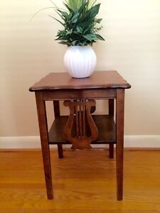 ***ONE OF A KIND*** ANTIQUE ACCENT TABLE (END TABLE)