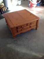 Coffee table & end tables for sale!