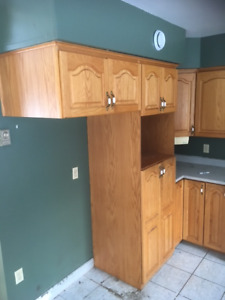 Beautiful used solid oak Kitchen Cabinets