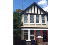 Period 3 Double Bedroom Flat Chiswick W4 and Acton W3 Borders