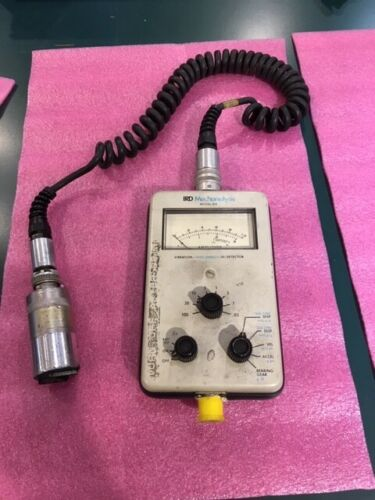 IRD Mechanalysis 810 Vibration Meter w/970 Accelerometer Probe / Cable