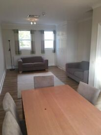 2 Bedroom Flat to rent in Chiswick W4
