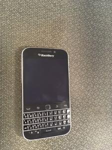 BlackBerry Classic (déverrouillé) 120$