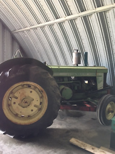 820 John Deere Tractor With Pup Motor