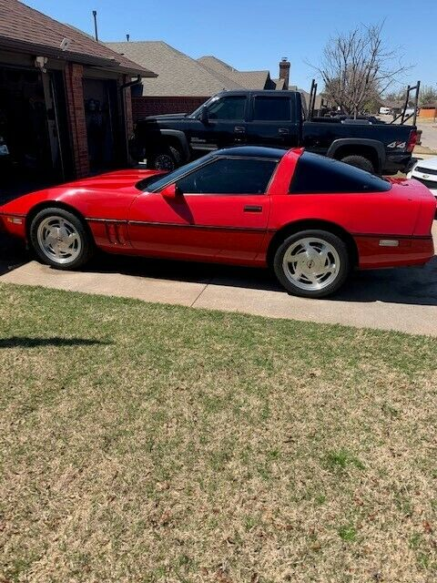 1989 Red Chevrolet Corvette   | C4 Corvette Photo 1